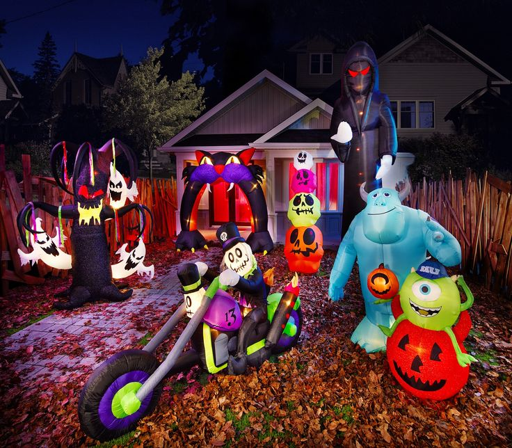 frightfully fun halloween decor for your front yard or backyard impress the neighborhood with - Lowes Halloween Decorations