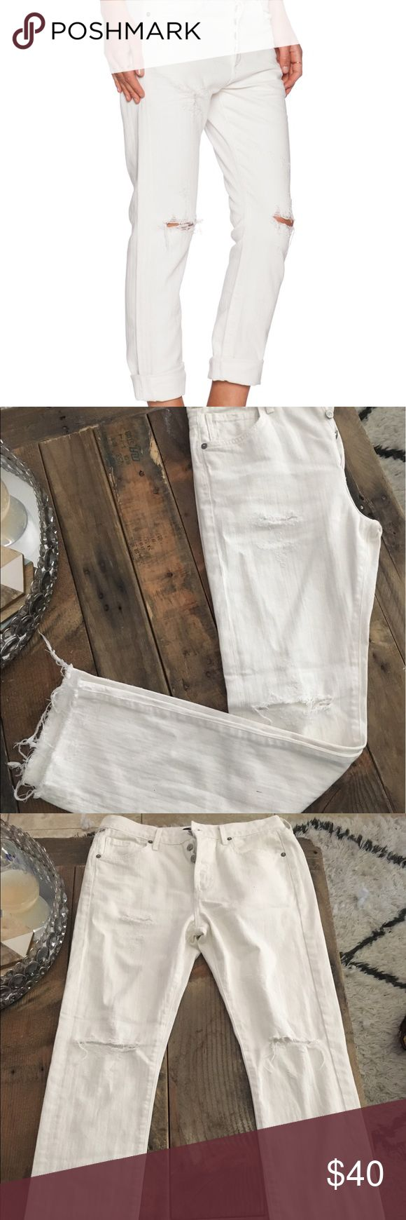 Citizens of Humanity Corey Slouchy Slim jeans EUC Citizens of Humanity Corey Slouchy Slim jeans in white. Size 25. Barely worn. Citizens of Humanity Jeans Boyfriend