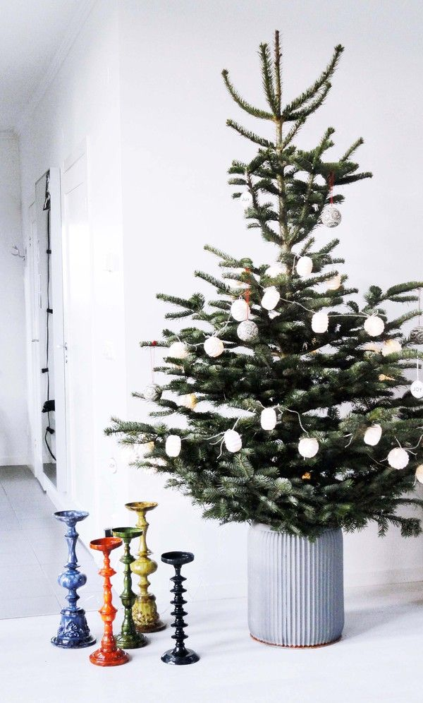 Christmastree and colourful candle hodlers from Nordal