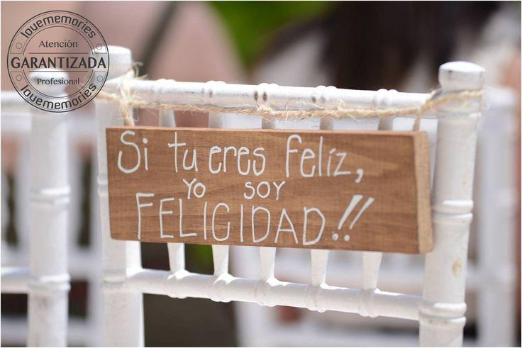Mensajes personalizados en sillas de #Boda  Sorprende a tus invitados con pocas palabras. #Lovememories #Weddings #CreandoMomentosMemorables.