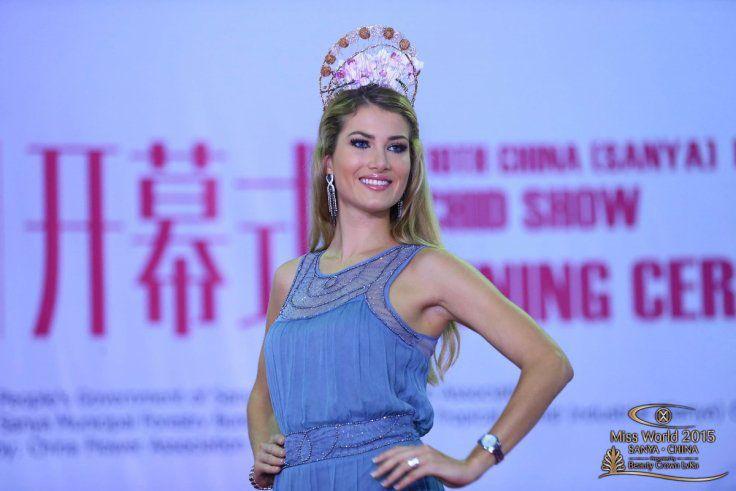 Miss Espagne , Mireia LALAGUNA ROYO, a remporté, Samedi19 Décembre, le titre deMiss Monde 2015, C'est Rolene Strauss,Miss Monde 2014, qui lui a remis son diadème, au cours d'une cérémonie à Sanya en Chine. La deuxième et troisième place sont revenues respectivement à Sofia NIKITCHUK, Miss Russieet Maria HARFANTI, Miss Indonésie. Rappelons quela jeune tunisienne …