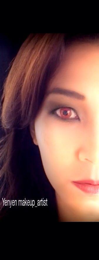 The eye of vampire makeup inspire for halloween | Vampire ...
