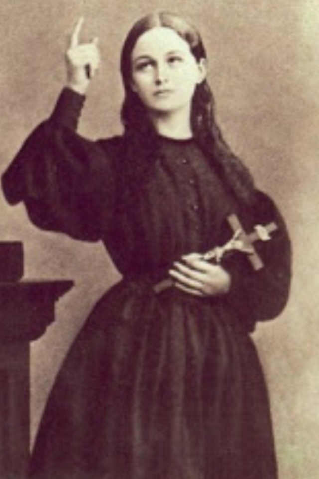 """""""Be brave, because I am going to Paradise; but I shall always remain with you, too; I shall never abandon you!""""  St. Clelia Barbieri"""