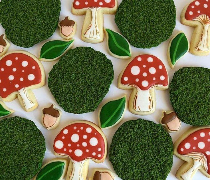 Moss, toadstools, leaves, and acorn sugar cookies! #melissagracedesserts #cookie #cookies #baking #cookieart #cookiedecorating #sugarcookies #cute #yum #moss #mushroom #toadstool #leaves #acorn