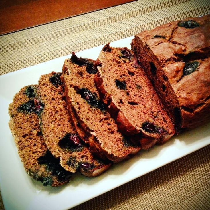 Banana bread with blueberries • Healtholution