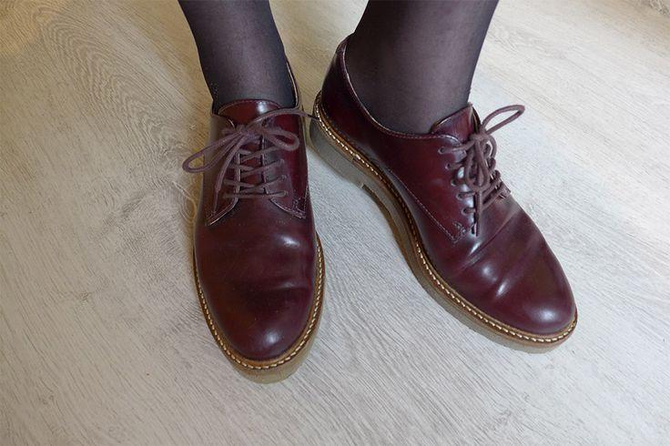 look rétro vintage et derbies oxford bordeaux Kickers