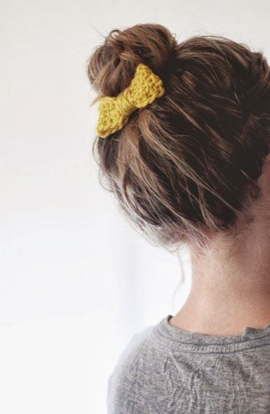 Crochet bow- free pattern ✿⊱╮Teresa Restegui http://www.pinterest.com/teretegui/✿⊱╮