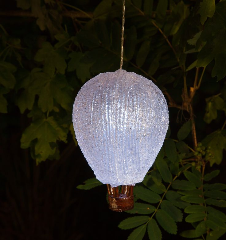 NOMA Garden Art | Balloon Solar Light | Www.noma.co.uk