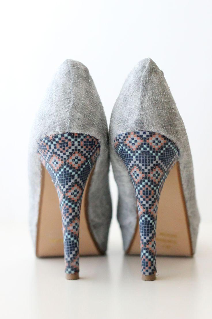 Chaussures relookées avec tissus adhésifs