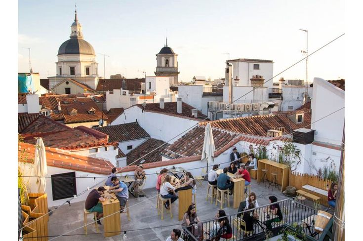 Hostel Madrid - Foto terraza desde arriba - The Hat