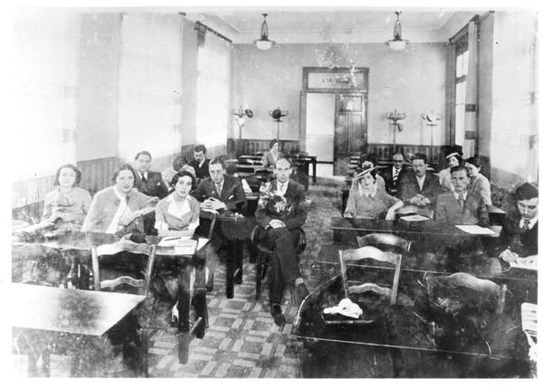 Albert Camus (1913-60) at the Faculty of Algiers, class of philosophy, next to his teacher Monsieur Poirier, 2nd May 1935