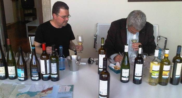 The Wine Society protagoniza una cata de 40 marcas de Rías Baixas http://www.vinetur.com/2013042312158/the-wine-society-protagoniza-una-cata-de-40-marcas-de-rias-baixas.html