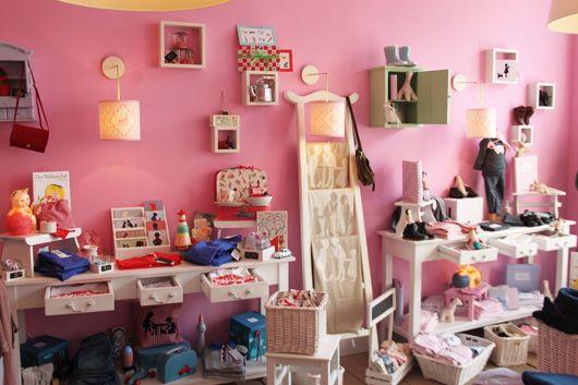 ©kleines haus potsdam    Ladenbesitzerin Susanne Heidemann-Ulrich eröffnete 2008 in der Friedrich-Ebert-Straße 36 in Potsdam eine Kinderwe...