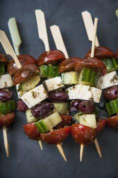 Brochettes de salade grecque #recettesduqc #tapas #salade