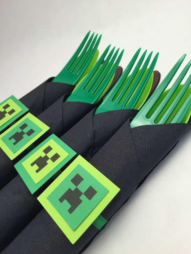 Minecraft Theme Party Cutlery - Minecraft Disposable Party Silverware, Mine craft Party Supplies by MadHatterPartyBox on Etsy https://www.etsy.com/listing/212920120/minecraft-theme-party-cutlery-minecraft