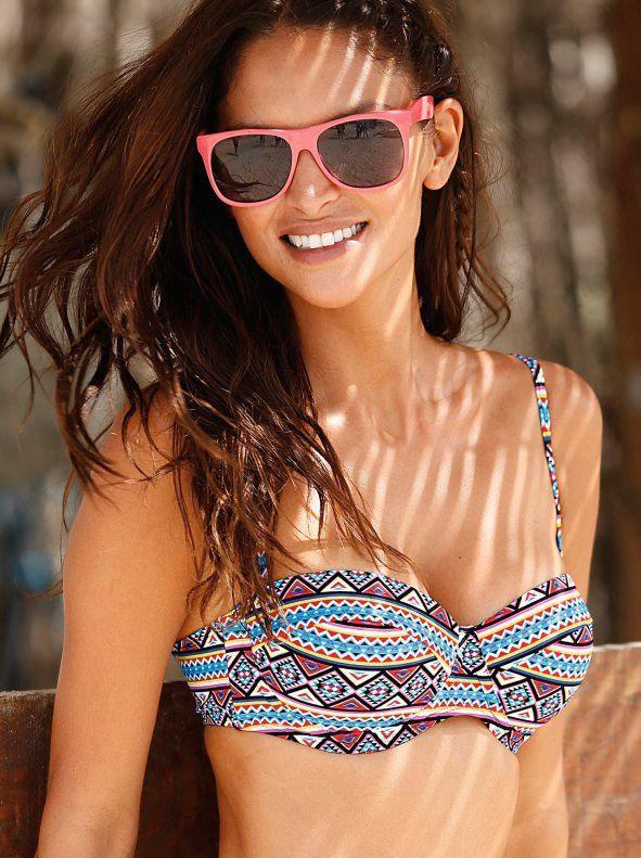 Sujetador de bikini copa B balconet. El favorecedor corte de este sujetador de bikini tipo balconet realza el busto de manera natural. Sujetador de bikini d