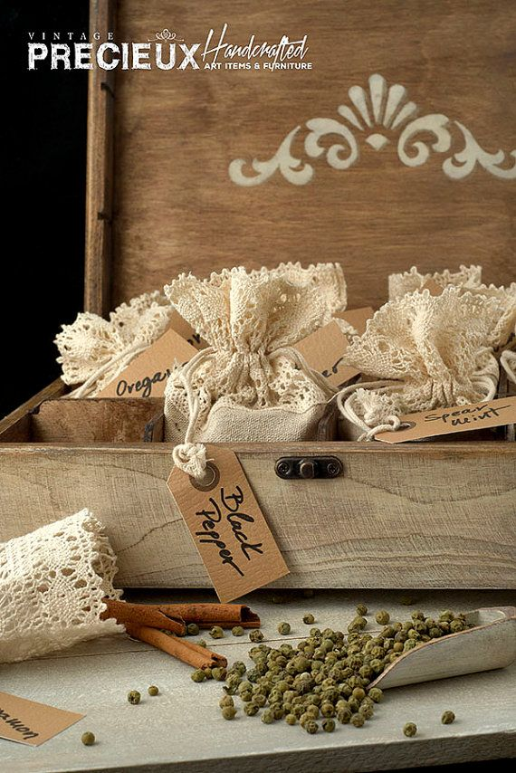 Spice Box wooden vintage with 12 Organic Spices by vintagePRECIEUX