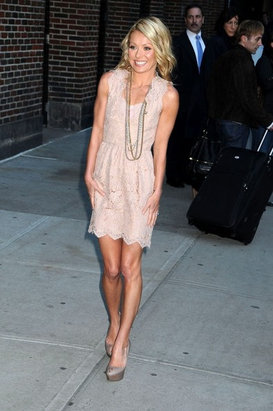 Kelly Ripa, cute  @my-style-pinboard