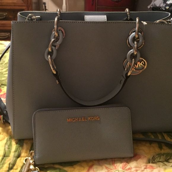Michael Kors New, carried maybe 3 hrs total Michael Kors Bags Satchels