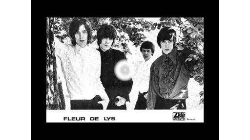 Les Fleur De Lys - Gong With The Luminous Nose - https://www.garage-rock-radio.com/les-fleur-de-lys-gong-with-the-luminous-nose.html/