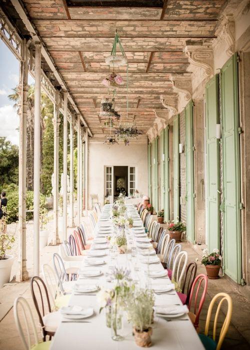 Bloom Wedding verzorgt veel destination weddings zoals ook deze Bruiloft in Zuid-Frankrijk. Droom mee met de schitterende trouwfoto's en laat je inspireren.