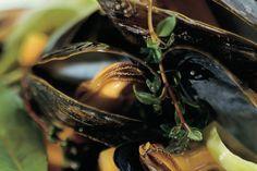 Das Rezept für Miesmuscheln mit Weißwein mit allen nötigen Zutaten und der einfachsten Zubereitung - gesund kochen mit FIT FOR FUN