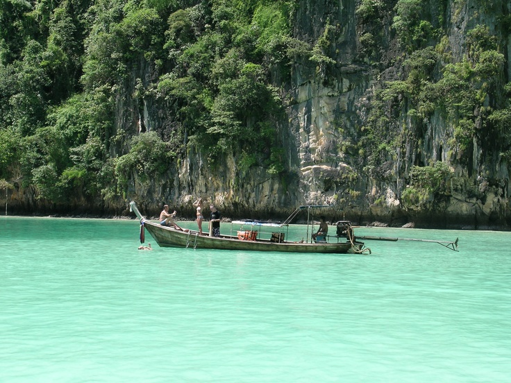 maya beach  phi phi islands