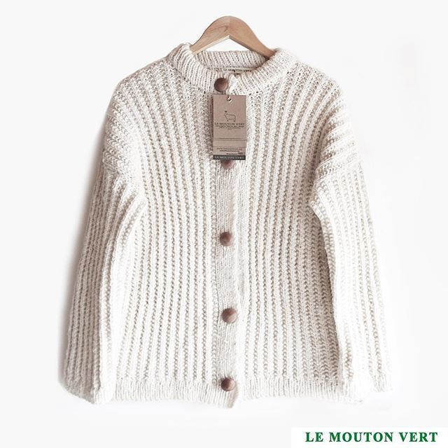 ➖Sweater abrigo/coat: Mary Ann, cod.1117-b Colonos Collection  Le Mouton Vert ® / @lemoutonvert ➖+Info: Direct o mail: contact@lemoutonvert.org Made in Patagonia, Chile Shop Online: www.lemoutonvert.org //