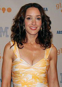 Jennifer Beals at GLAAD Awards cropped.jpg