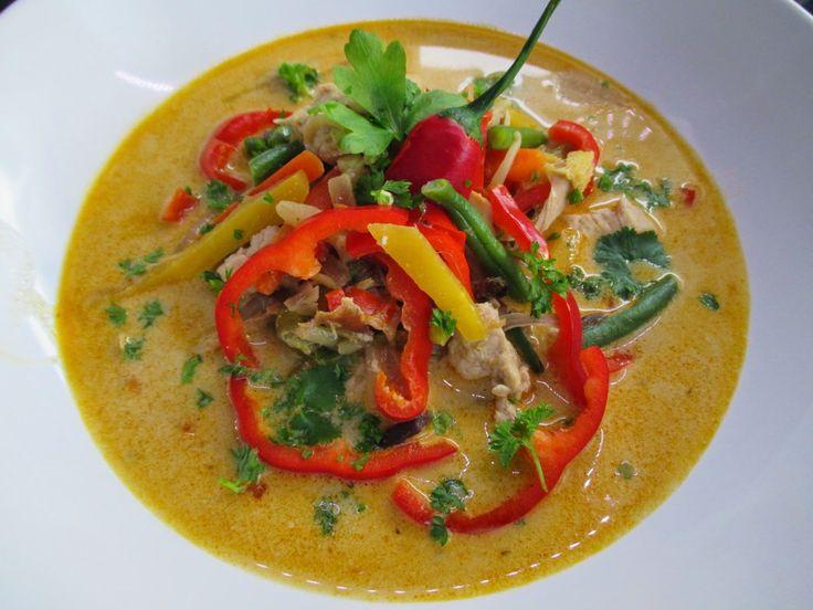 Tinskun keittiössä: Lämpimän mausteinen kasvis-kanakeitto