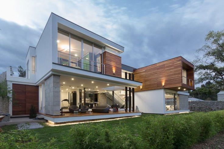 ModulARQ Arquitectura Designs a Contemporary Home in Cuenca, Ecuador