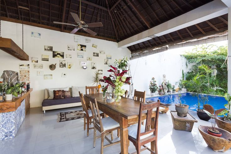 Villa in Canggu , Indonesia. A truly Beautiful room with gorgeous  wooden…