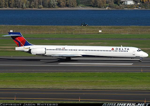 Delta MD-90  MCI-ATL