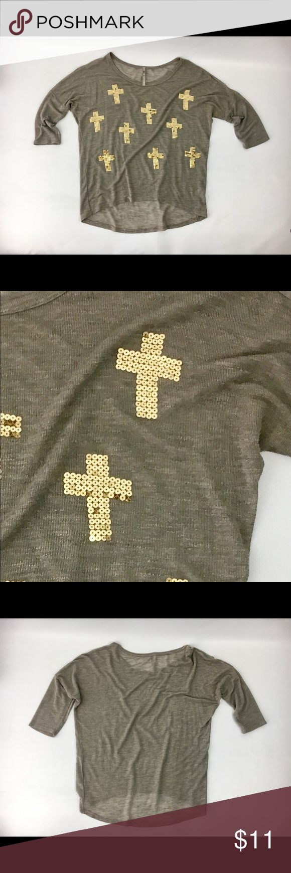 Labenga Gold Sequin 3/4 Sleeve Slouchy Top Med Stand out in the crowd in this super cute labenga top. Gold sequined crosses and 3/4 sleeves. See pix for measurements. 👍🏼🤓 Labenga Tops Blouses