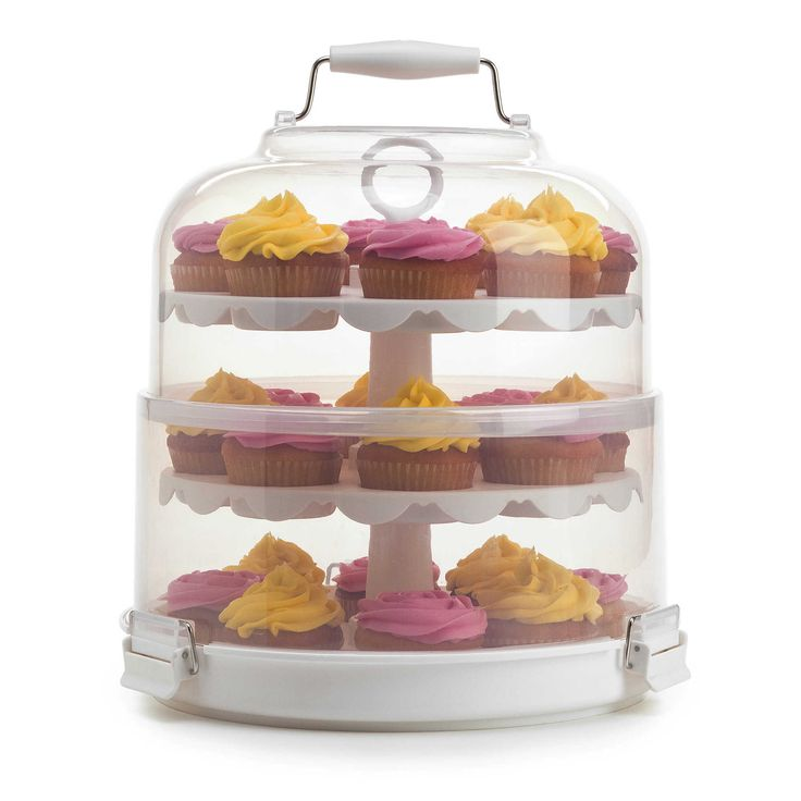 Eat. Keep. Love! (Beautiful Carriers for Homemade Hostess Gifts): Instead of delivering your goods in Tupperware or Ziploc bags or a plate covered with foil, you can bestow sweets and savories in carriers and containers.