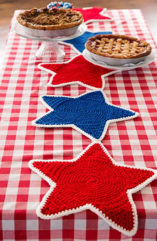 Americana Star Table Runner in Red Heart Super Saver Economy Solids - LW4758 - Downloadable PDF. Discover more patterns by 113 at LoveKnitting. We stock patterns, yarn, needles and books from all of your favourite brands.