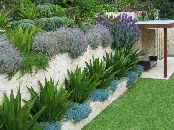 Eco Outdoor Coolum random ashlar limestone retaining wall. Urban Exotic…