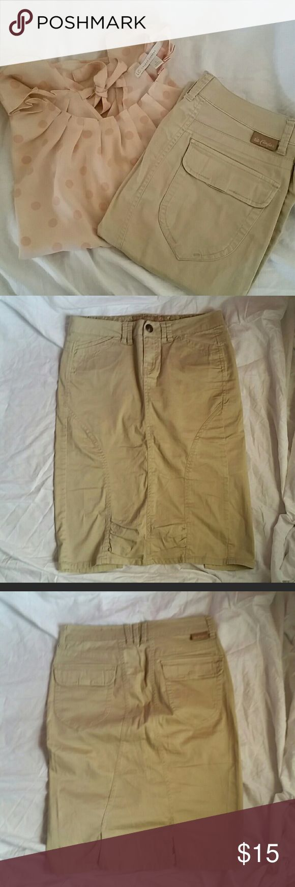 "Khaki stretch pencil skirt. -22"" long, about 17"" across, great condition Skirts Pencil"