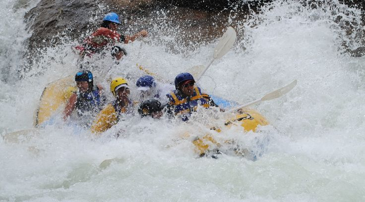 #vatso Kry vir jou 'n bek vol water! White water rafting on the Ash River - Clarens http://www.outrageousadventures.co.za/ash.html