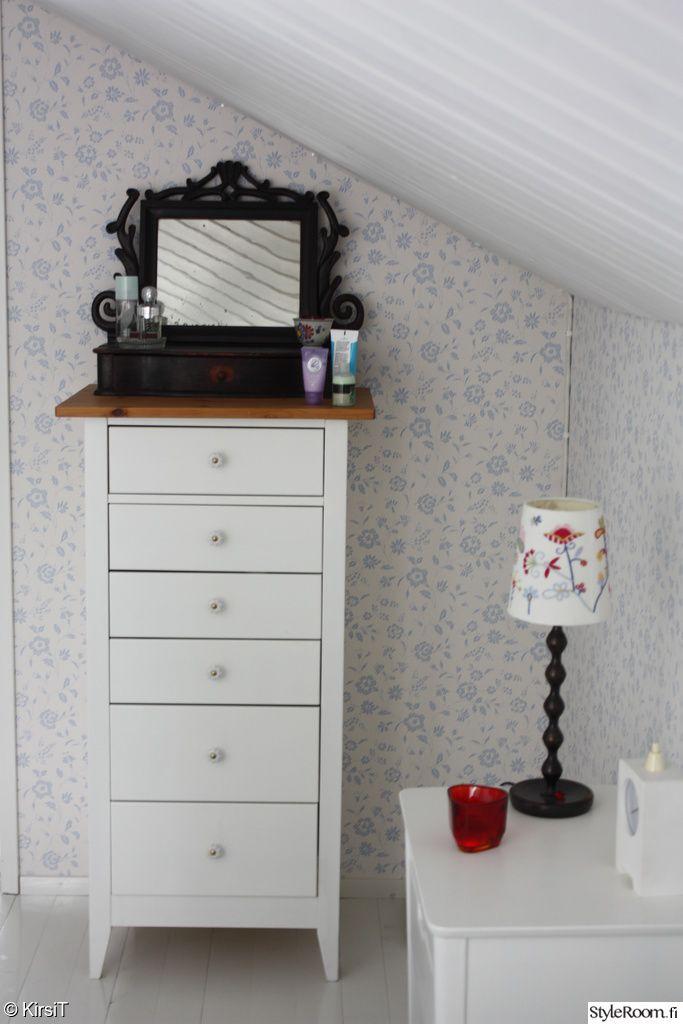 makuuhuone,mökki,lipasto,piianpeili