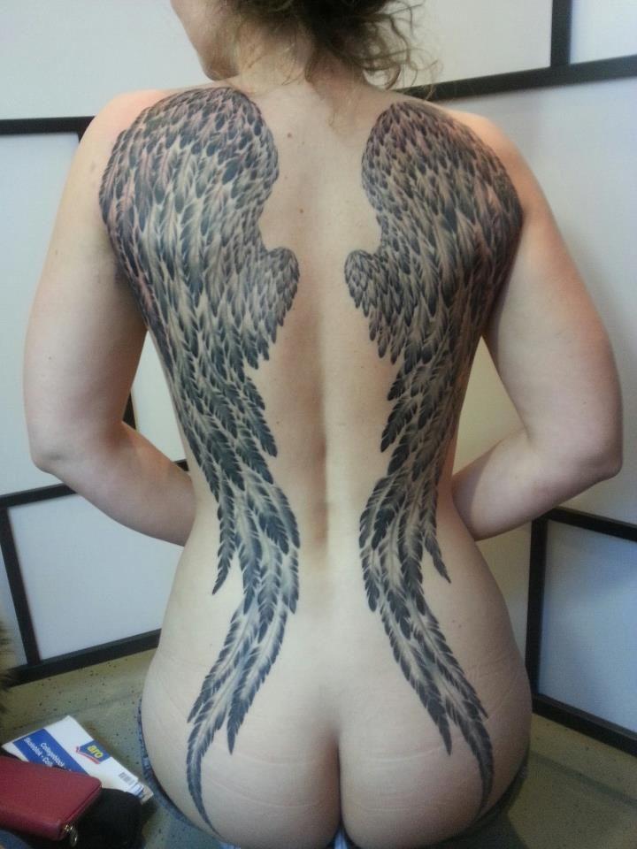 #tattoo #eastsidetattoonl #wingstattoo #angelwings #backtattoo
