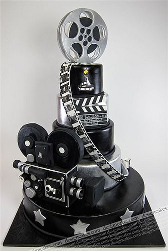 Movie cake  @Barbara Acosta Mineart Learn how to create your own amazing cakes: www.mycakedecorating.co.za
