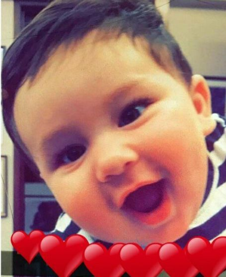 This unseen picture of Kareena Kapoor Khan's baby Taimur laughing is EVERYTHING!!! #FansnStars
