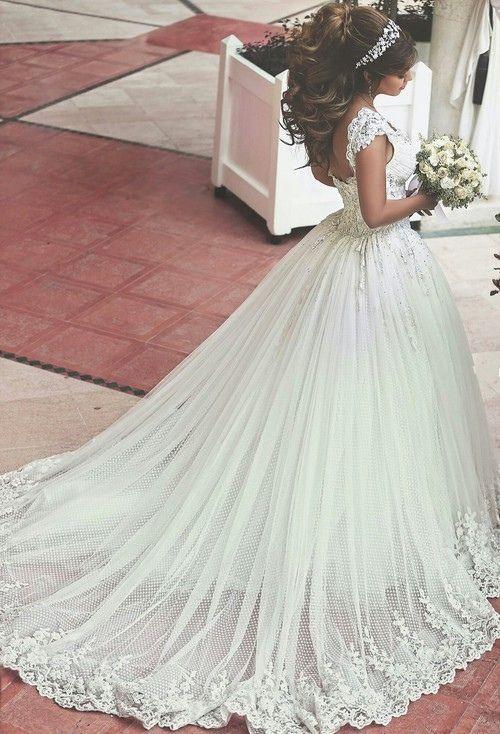 Lace Applique Beaded Ball Gown Wedding Dresses Off-shoulder Retro Court Train Bridal Gowns