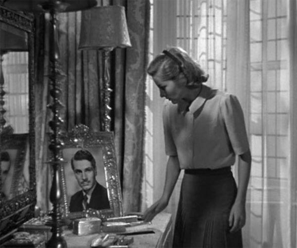 "Joan Fontaine em ""Rebecca"".   – The Vintage Vanity"