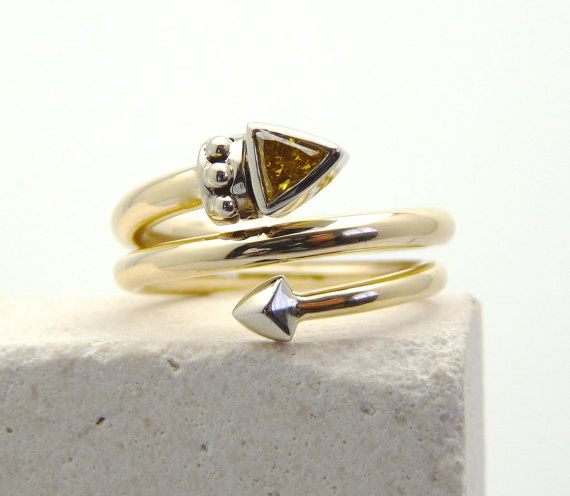 Hey, I found this really awesome Etsy listing at https://www.etsy.com/pt/listing/239337683/fancy-diamond-ring-yellow-diamond