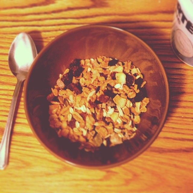 What kind of #Yogurt do you mix with your #muesli ???  #Swissli #Cereal #Breakfast