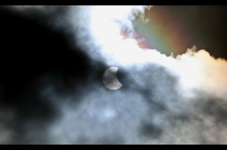 Amatørastronom til solformørkelse: Jeg stod og græd   Nyheder   DR
