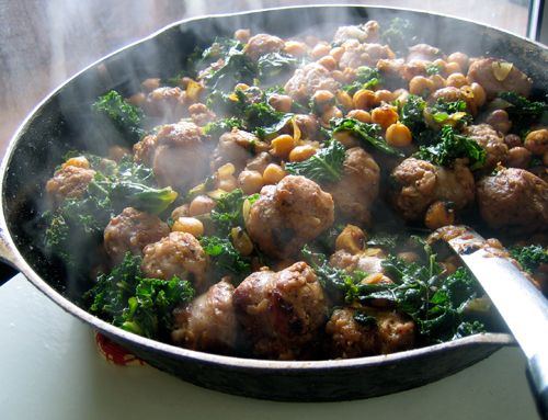 chickpeas with kale and sausage...I must make this NOW! :)