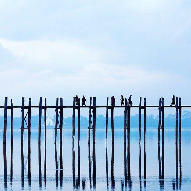 The famous U-Bein Teak Bridge on Taungthaman lake #Myanmar #burma #birmanie #amarapura #mandalay #taungthamanlake #lake #ubeinbridge #ubein #bridge #view #love #travel #amplitudes #passionpassport #awesomeearth #travelingishappiness #igersmyanmar  https://www.amplitudes.com/
